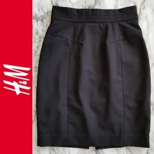 H&M Fitted Pencil Skirt, Black Size 4